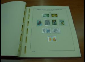 Sammlung UNO-Wien 1979-1996 komplett O, angereichert mit vielen Kleinbogen.