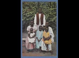AK aus Deutsch-Ostafrika Christliche Eingeborenen-Familie in Moschi, ungelaufen